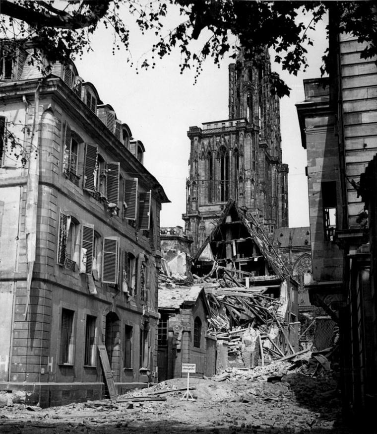 1944.08.11 degats oeuvre notre dame