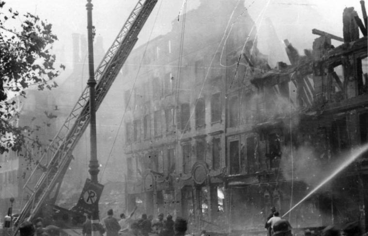 1944.08.11 place gutenberg incendie