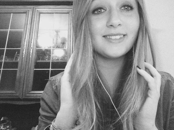 Mes erreurs m'ont fait avancer, mes douleurs m'ont rendues plus fortes, je n'ai pas changé ni oublié , j'ai juste avancé