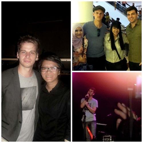 11.01.2012 - Live à Jakarta + photo avec les fanatiques.