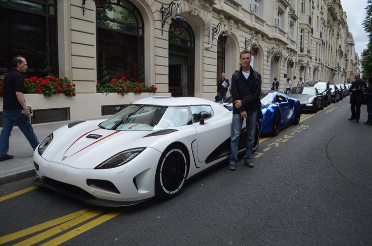 Koenigsegg agera r or Bugatti veyron centenaire ?