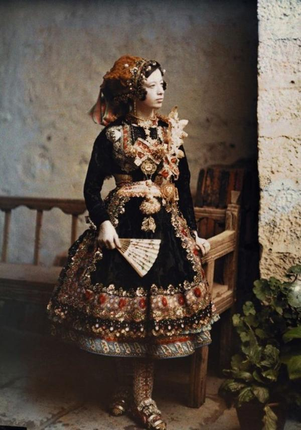 Costume folklore