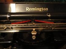 7 - Au quotidien: la machine à écrire Remington.