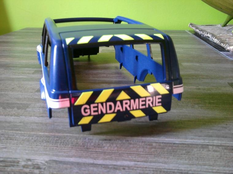 voiture de gendarmerie playmobil passion. Black Bedroom Furniture Sets. Home Design Ideas