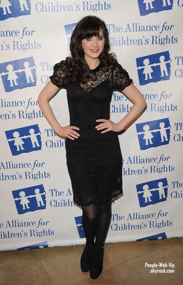 Zooey Deschanel & Jane Lynch assistent au dîner Alliance For Children's Rights  (à l'Hôtel Beverly Hilton le jeudi (1er Mars) à Beverly Hills, Californie)
