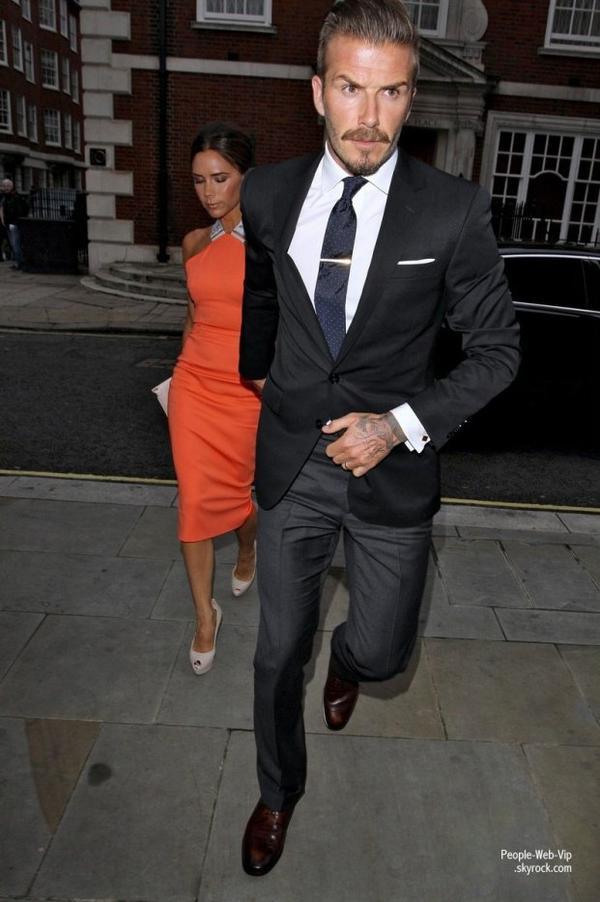 Victoria et David Beckham sont de sortie pour fêter l'anniversaire de leur ami Simon Fuller Remarque: David est pas du tout content !  (lundi (9 Juillet) à Londres, en Angleterre.)