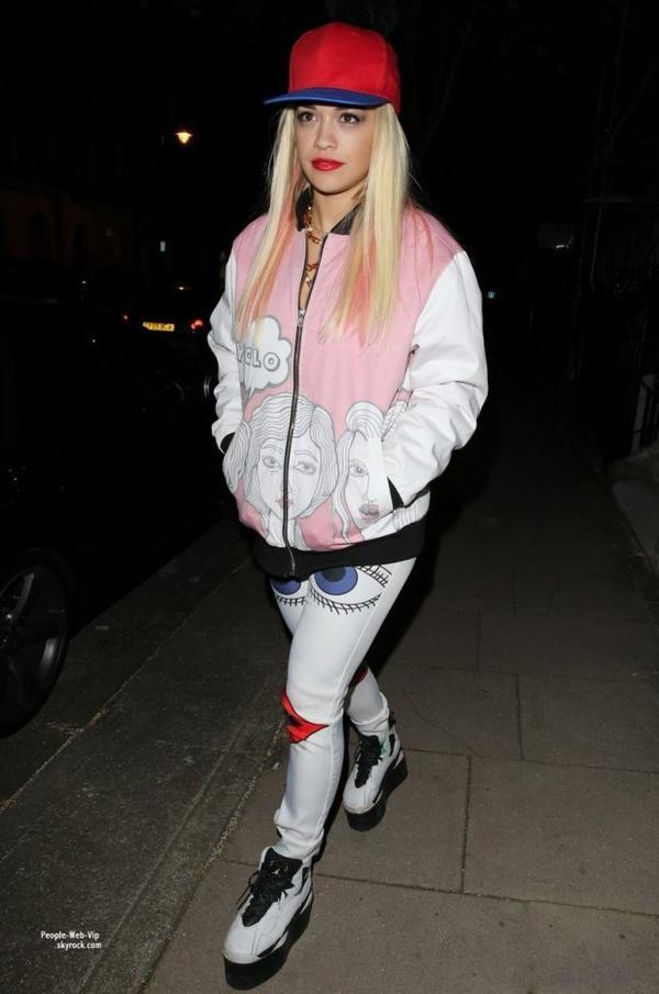 Rita Ora aperçue au As One In The Park music festival à Victoria Park  (dimanche (26 mai) à Londres, en Angleterre.)