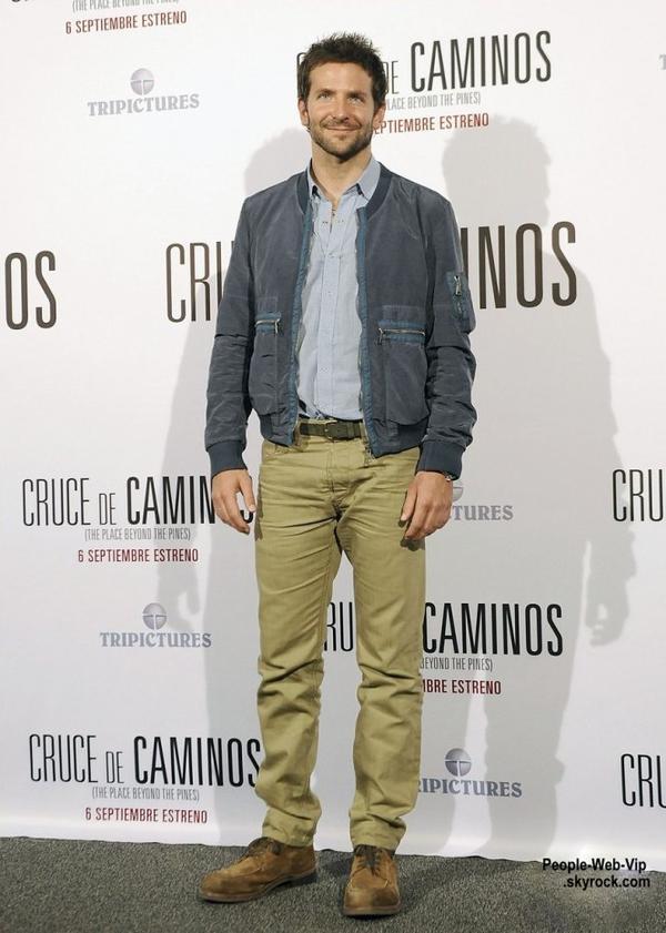 Bradley Cooper pose pour les photographes pendant une séance photo pour son film The Place Beyond the Pines  (à l'hôtel Santo Mauro AC mercredi (4 Septembre) à Madrid, en Espagne.)