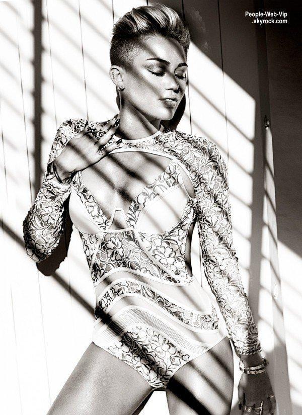 """Miley Cyrus: De nouvelles photos issu du magazine """" Fashion """" Qu'en pensez vous?"""
