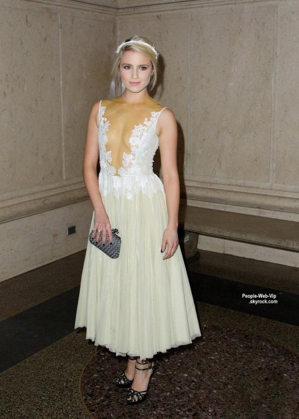 "Dianna Agron aperçue au ""2014 Museum Gala at The Museum of Natural History""  On aime sa robe? ( jeudi soir (20 Novembre) à New York City.)"