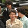 .  .. Nick , Joe & Kevin donnant plusieurs interviews à New York.      -  11.06.09  ..                  .