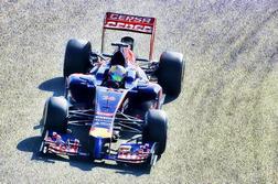 > 8] Scuderia Toro Rosso STR9 Renault
