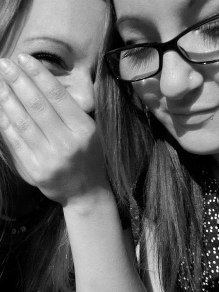 Nous sommes liées par un lien sacré, je crois bien que celui-ci s'apelle l'amitié! ♥