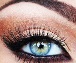 eye liner creme gel crayon feutre hoisir son eyes liner en fonction de la forme des yeux. Black Bedroom Furniture Sets. Home Design Ideas