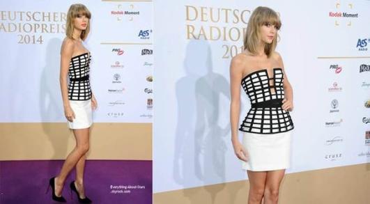 """04/09/14: Taylor Swift sublime,  sur le tapis rouge des """" 2014 Deutscher Radiopreis"""" à Hambourg en Allemagne"""