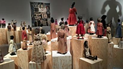 """""""Black Dolls"""" : fierté et beauté noires au c½ur d'une exposition à Paris"""