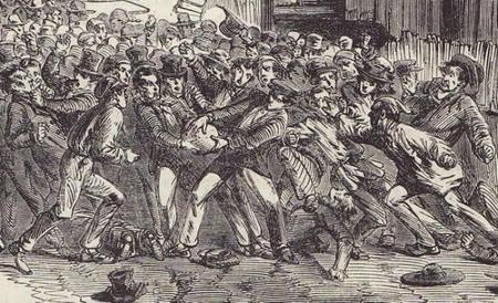Le football, un ancien jeu britannique populaire, brutal et illégal
