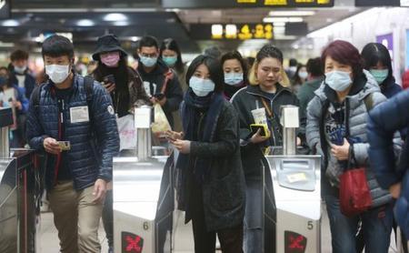 Le coronavirus, ou comment le conspirationnisme émet des hypothèses fumeuses sur une maladie