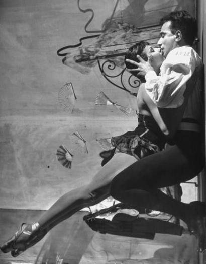 Zizi Jeanmaire, de la danse classique au music-hall