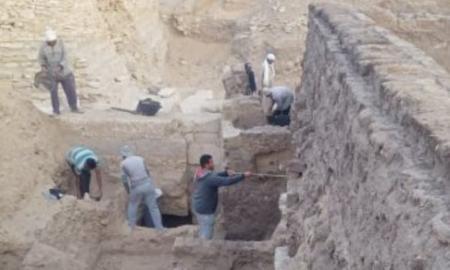 Des fouilles à Saqqarah ont permises de découvrir une reine égyptienne nommée Nearit
