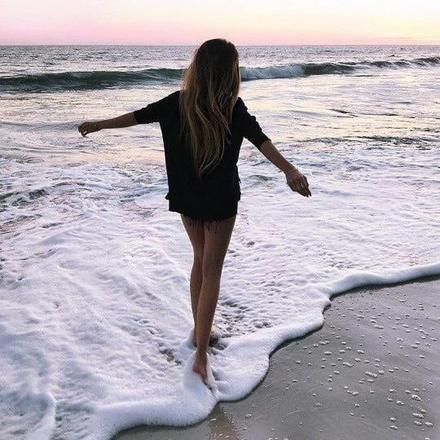 """""""L'une des plus grandes douleurs est d'aimer une personne que tu ne peux avoir."""""""