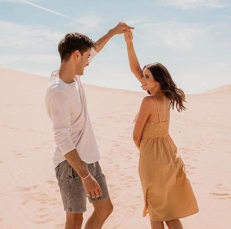 """""""Plus le coeur se rapproche de la simplicité, plus il est capable d'aimer sans restriction et sans peur.  Plus il aime sans peur, plus il peut faire preuve d'élégance dans chaque petit geste."""" - Paulo Coelho"""