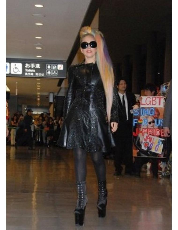 GaGa quittant Hong Kong pour Tokyo ce matin + Enchère + Arriver a Tokyo!