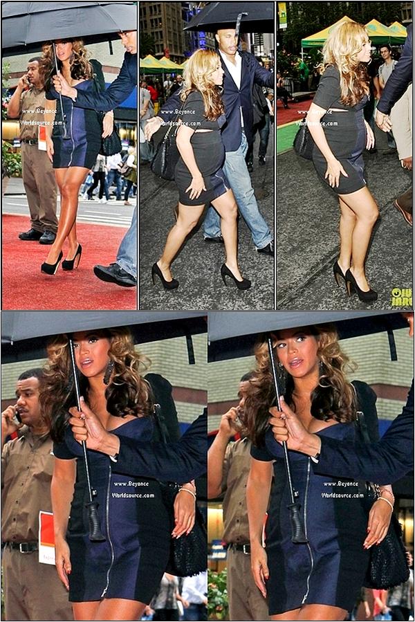 . 14.10.11 : Beyonce Affiche Son Ventre Dans Les Rues De New-York ! .