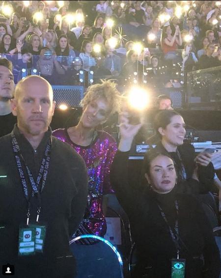 Dimanche 5 août 2018. Céline et pépé au concert de katy Perry à Melbourne, et oui elle se produit la bas en mm temps que Céline. ! Céline est méconnaissable j'adore !!