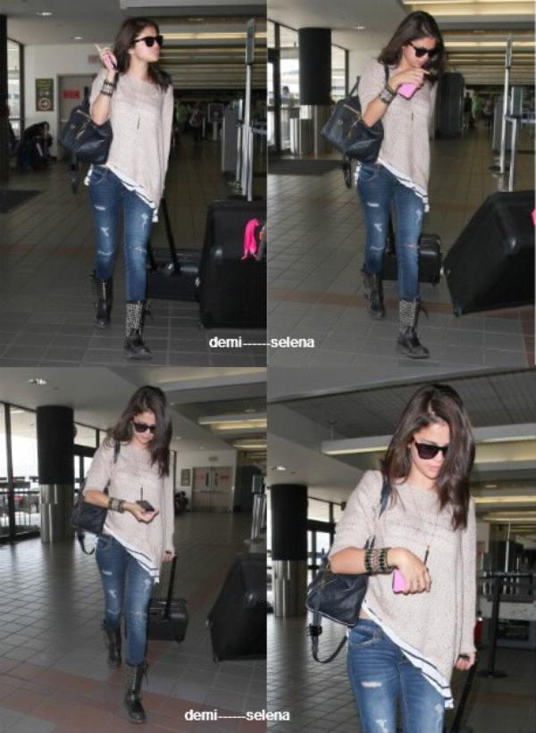 Selena Gomez: prenant un vol pour Toronto