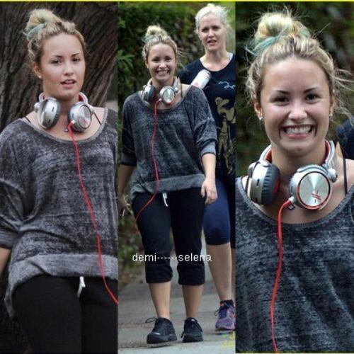 Demi Lovato: sortant avec ses amies à Santa Monica