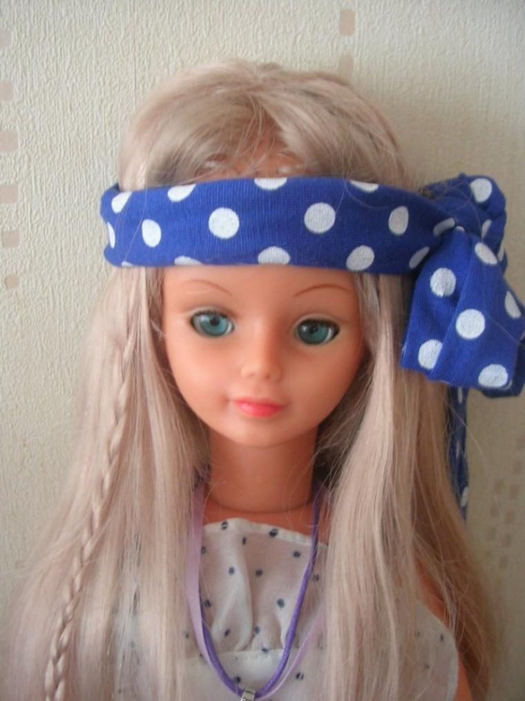jolie poup e cathie blonde aux yeux bleus turquoise mes. Black Bedroom Furniture Sets. Home Design Ideas