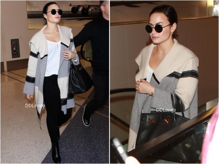 Demi a été vu à l'aéroport de LAX ce 20 janvier 2016.