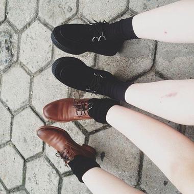 Ce sont mes amis qui m'ont fait aimer la vie. Ils me rendent meilleur à mesure que je les trouve meilleurs eux-mêmes.