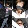- 12 Juillet 2010 : Kristen à l'aéroport d' L.A direction Montréal pour commencer à tournée son nouveau film 'On the Road' -