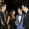 The-Jonas-and-Girls presente:   « Chapitre 5: Bonne  nouvelle & Révélation (Partie 1) »