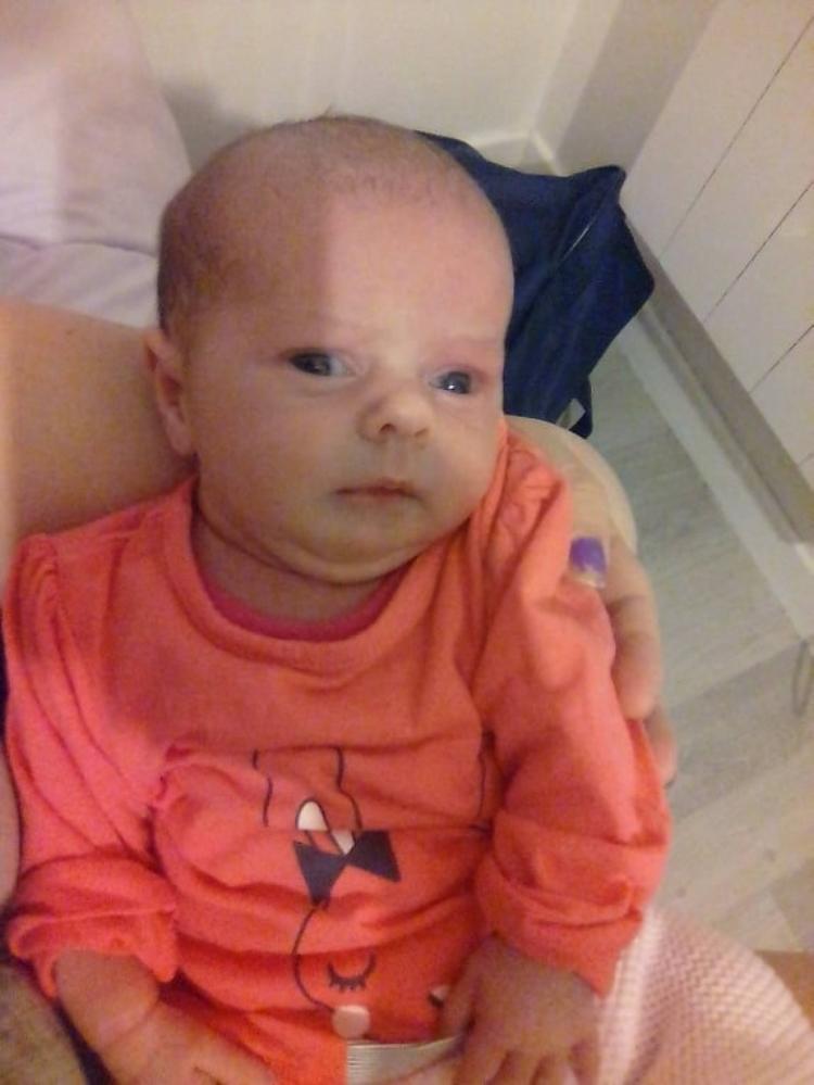 voila ma petite fille angelina 3 semaines
