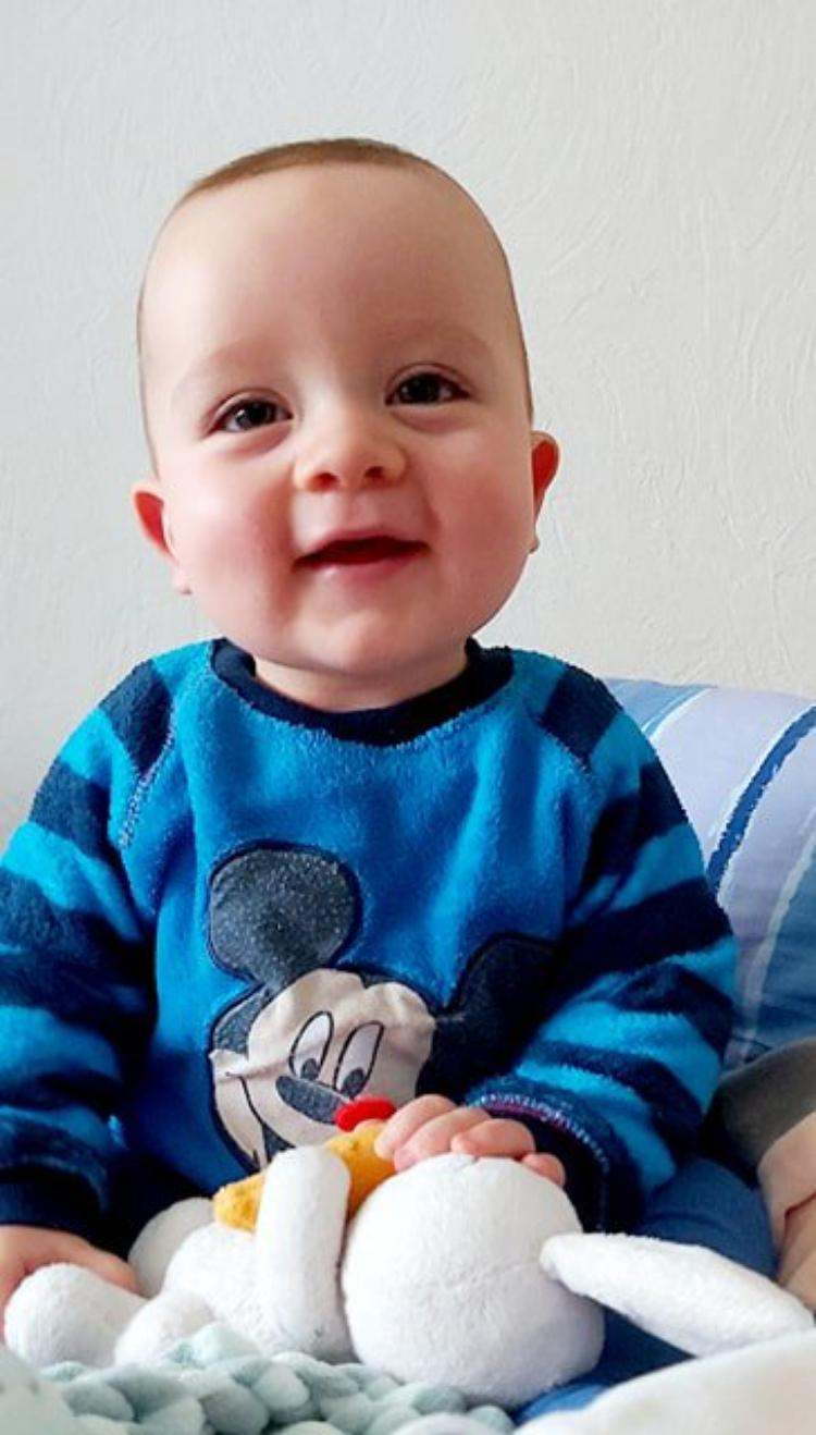 voila mon petit fils isaac 9 mois