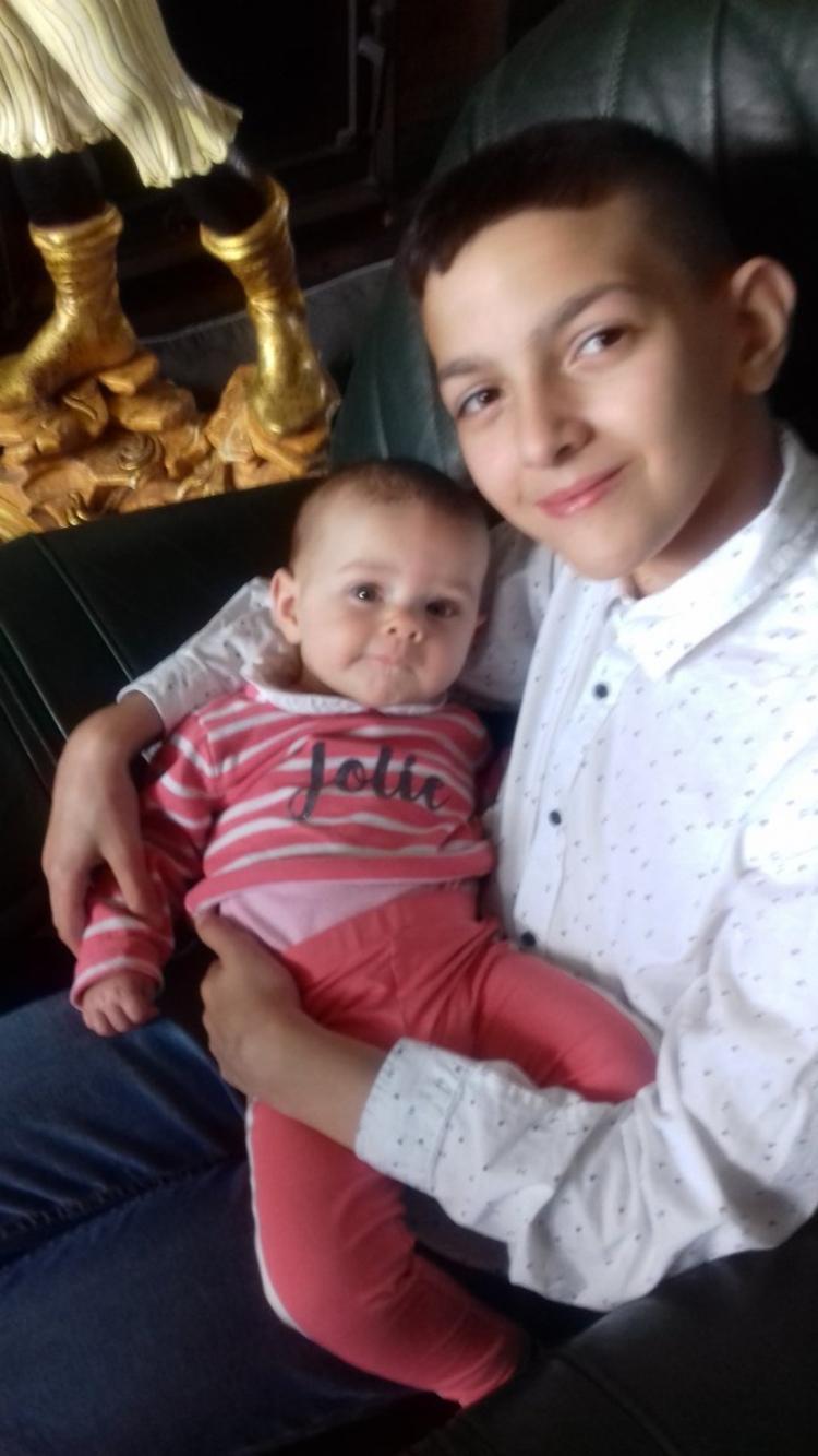mon petit fils wail et sa petite soeur angelina