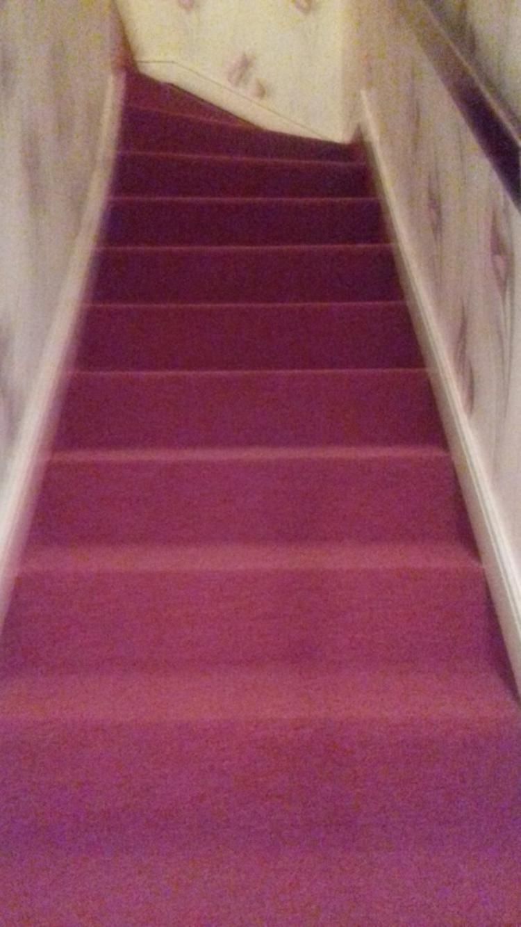 voila ma chambre terminee ainsi  que ma descente d escaliers