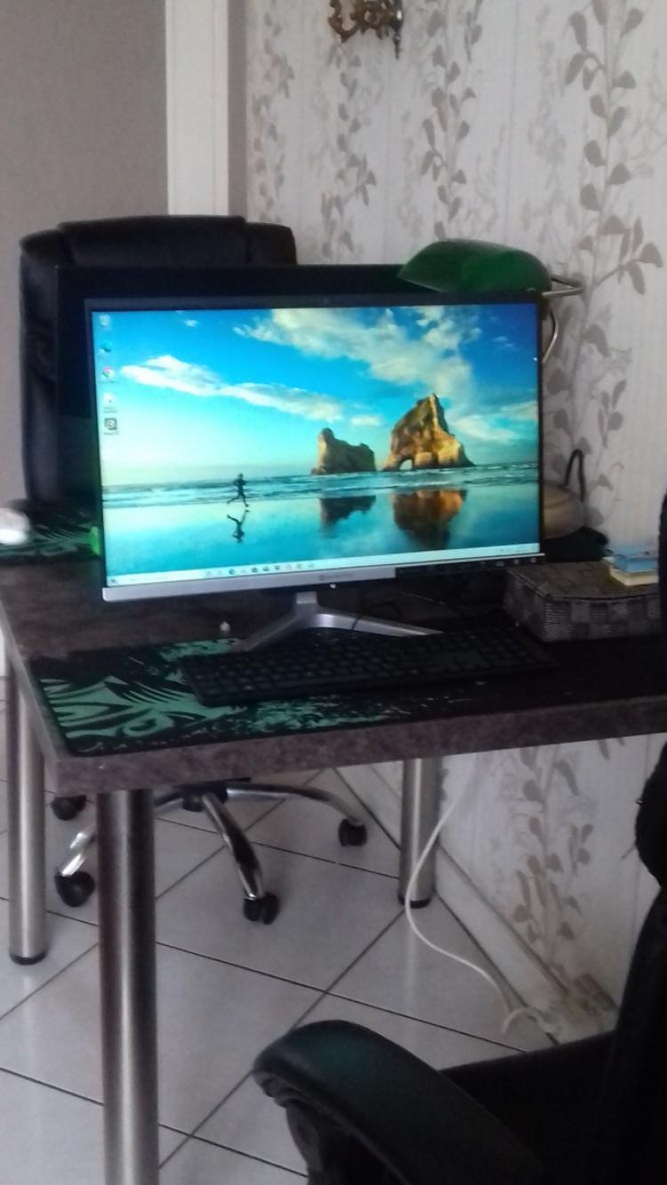 voila nos ordinateurs installes  il ne reste plus que quelques installations et tout sera parfait