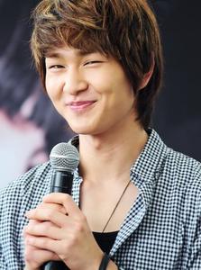 HAPPY BIRTHDAY LEE JIN KI !!! <3