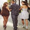 En attendant les news de notre belle She', je vous montre une photo promotionnelle où il y Shenae Grimes, Jessica Stroup & Tristan Wilds pour la série 90210. Article crée par la webmiss Lyinah