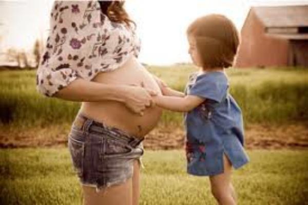 À toutes les mères et futures mères sur la Terre, merci.