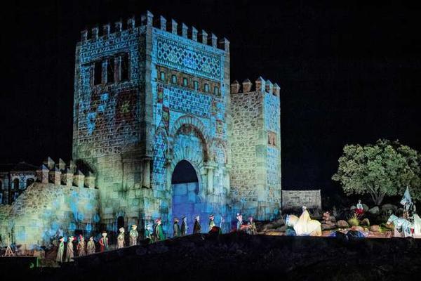 Le Puy du Fou bâtit son château en Espagne Pour le lancement du Puy du Fou España, le 30 août à Tolède, l'entreprise vendéenne s'est montrée fidèle à son esthétique spectaculaire en mêlant l'histoire de la ville à celle d'une Espagne mythifiée.  Par Sandrine Morel  Publié le 10 septembre 2019 à 09h59