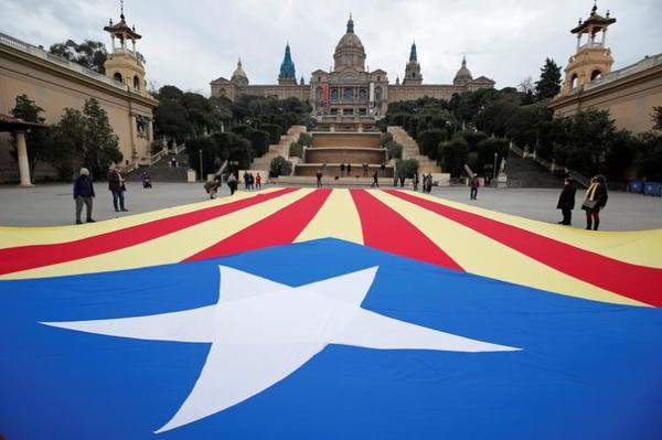Politique.Toute l'Espagne scrute les élections catalanes EUROPE POLITIQUE ESPAGNE COURRIER INTERNATIONAL - PARIS