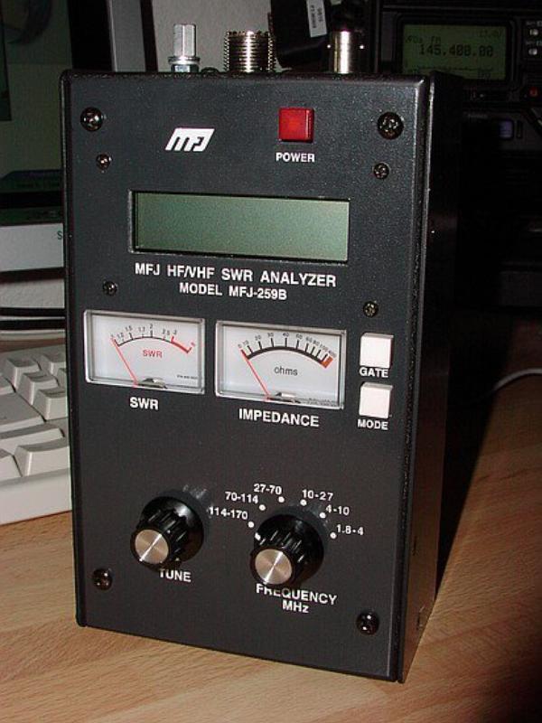antenne Dipole faite par 14V173 Yann Le 25/04/2015  Tos SWR 1 SUR 1..26Mgz ..27Mhz..28Mhz  Merci a toi ami radio Yann