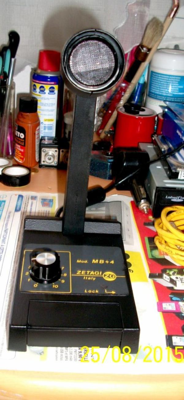 et en encore refait micro zetagi mb+4 des année 1990 un couche de frameto stoppe la rouille et deux couche peinture noire mate et la pédale démission avec du plastique noire plus solide que l'originale