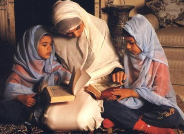 La femme en Islam  _Le voile de la femme musulmane   .