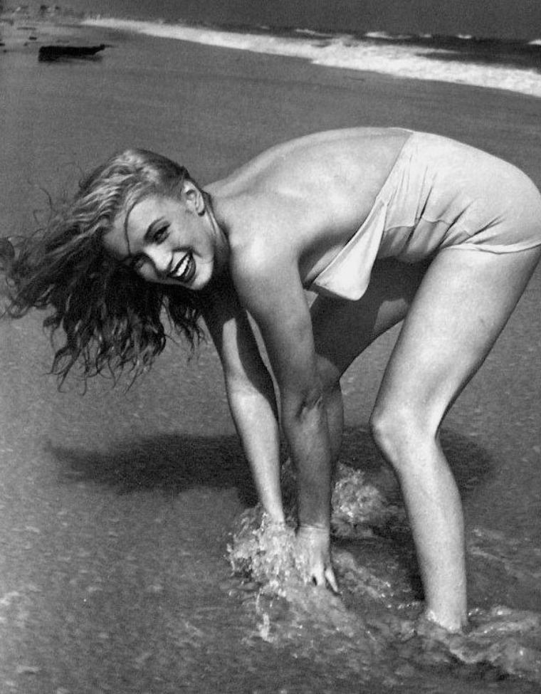 Tobey-Beach, Long-Island, été 1949 by André De DIENES (part 3).